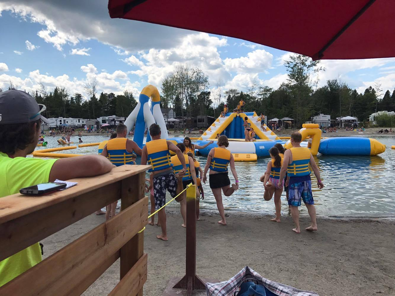 http://www.familizoo.com/ENG/wp-content/uploads/2019/01/beach-party-2017-complexe-atlantide-13.jpg